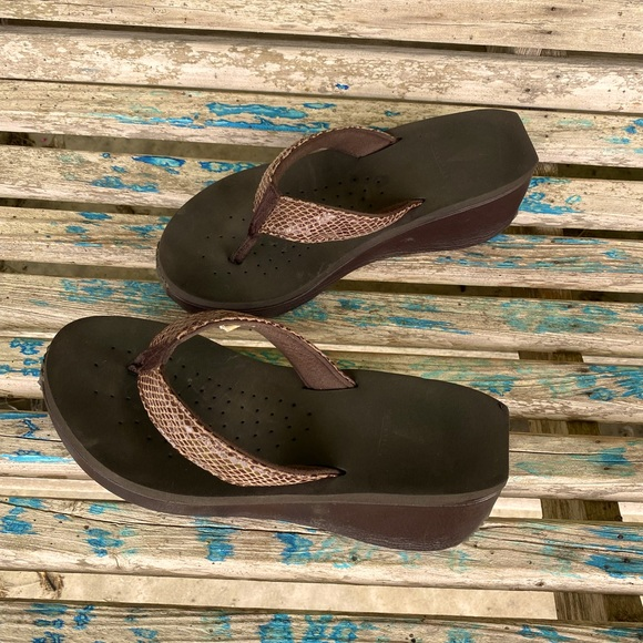 Volatile Sandals size 9 Brown